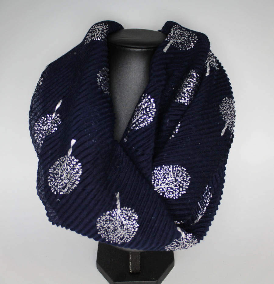 Tree Print Magnetic Scarf