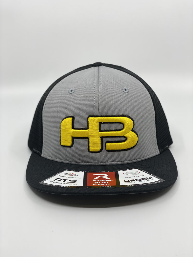 HB SPORTS EXCLUSIVE RICHARDSON PTS20M PULSE/MESH R-FLEX HAT: BLACK / YELLOW