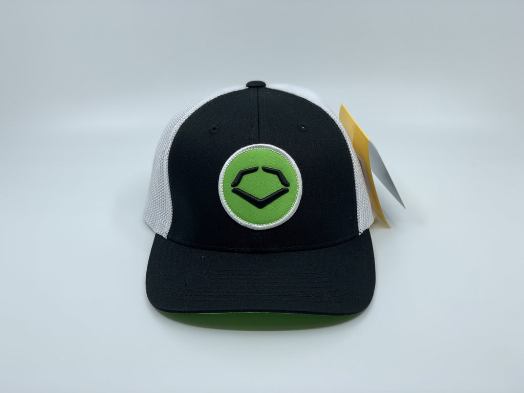 EVOSHILD CIRCLE FLEX FIT HAT: BLACK / WHITE