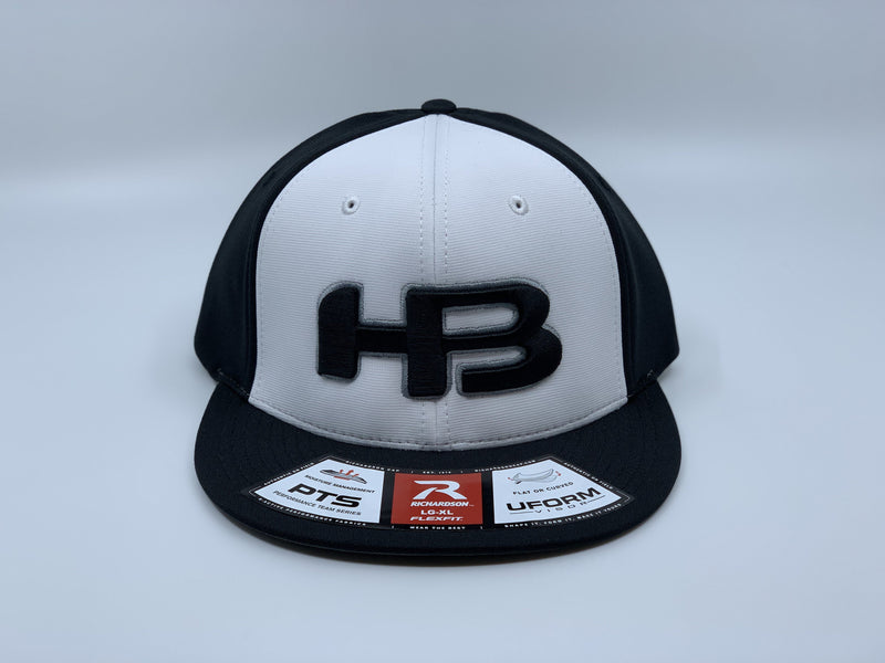HB SPORTS EXCLUSIVE RICHARDSON PTS20 PULSE R-FLEX HAT: BLACK / WHITE