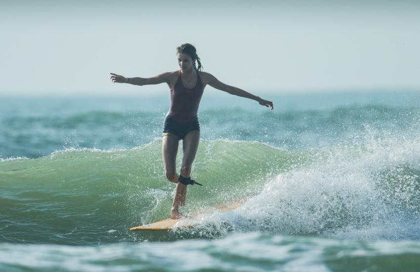 THE BENEFITS OF SURFING TO STAY IN SHAPE