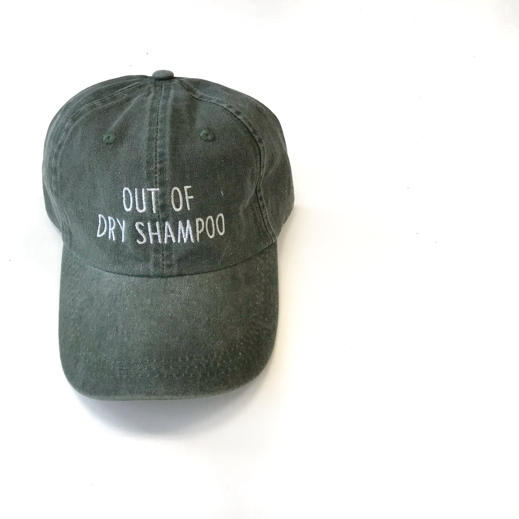 dry-shampoo-hat-for-moms