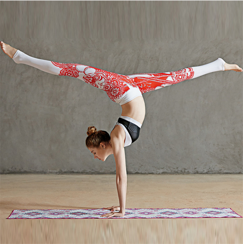 Women Papercuts Printed Yoga Pants