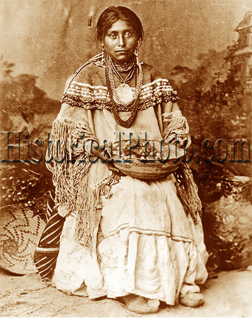Coyetenna, Apache Woman