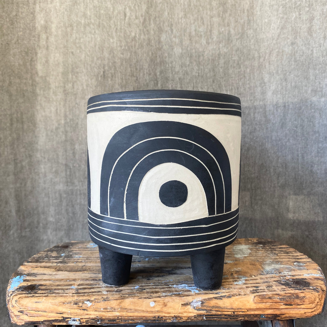 Niko Carved Tripod Planter
