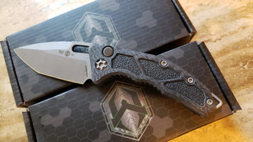 Heretic Knives Medusa Automatic Tanto Battleworn Carbon Fiber