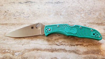 Spyderco Endura4 Knife Lightweight Green FRN C10FPGR