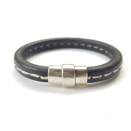 Black Leather Stitch Magnet Clasp - 7.5