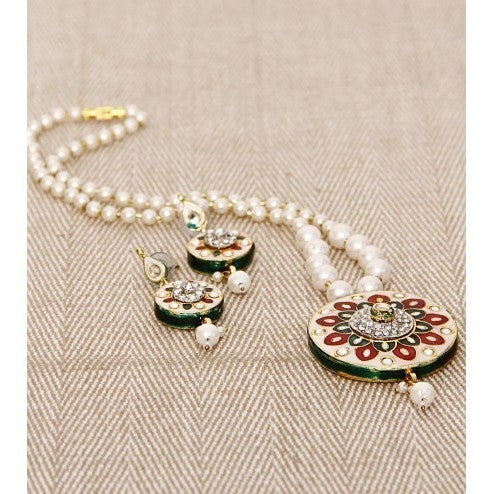 White Pearl & Kundan Embellished Necklace Set
