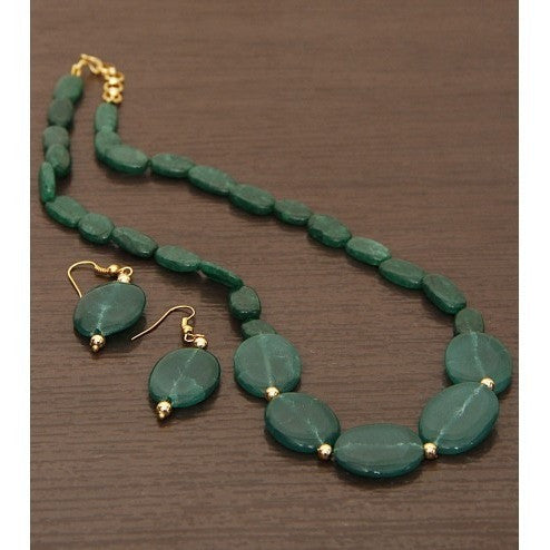 Green Beads Embellished Necklace Set - rang