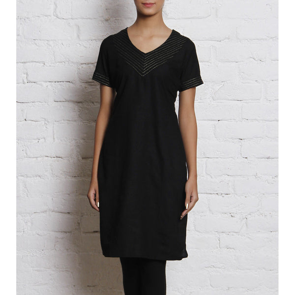Black Embroidered Linen Kurti - rang