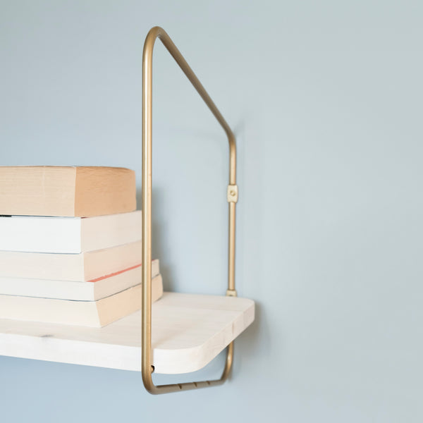 Nomad Wall Shelf / 68x24 cm / Gold / White