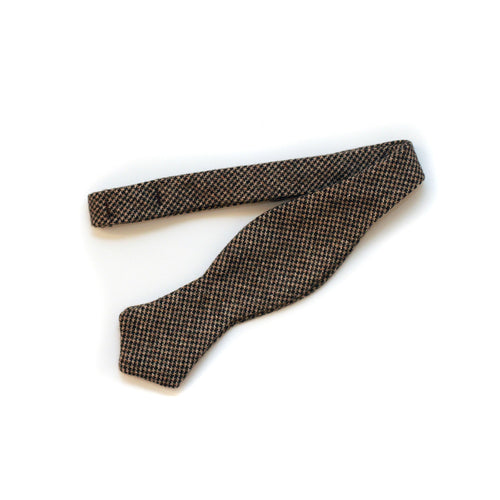 Bow Tie in Brown Houndstooth English Wool