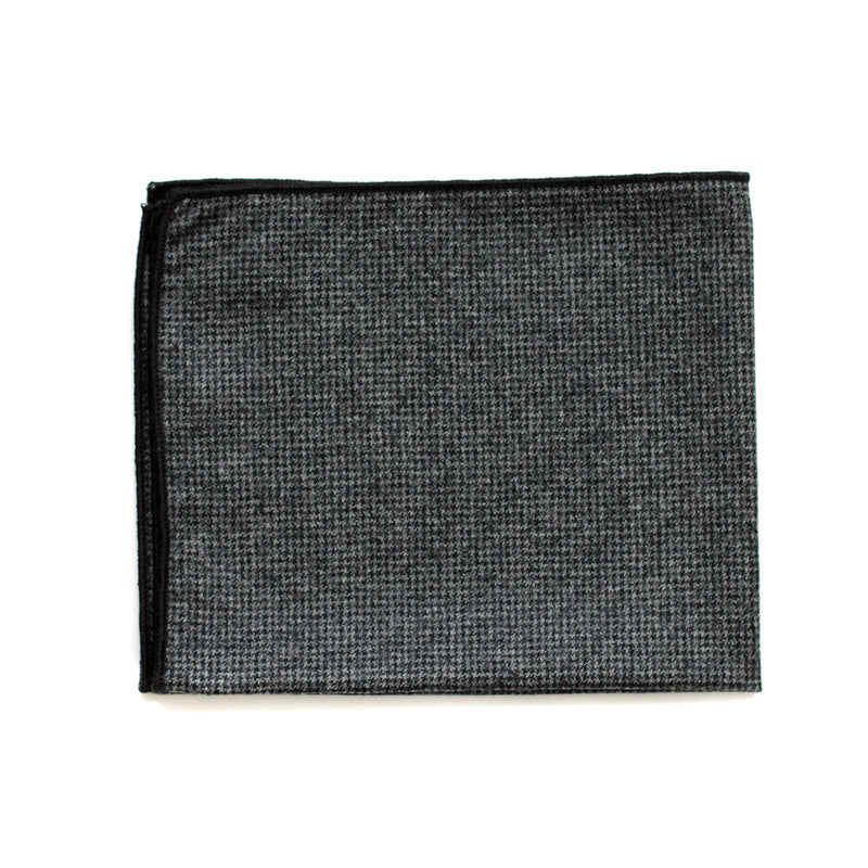 Pocket Square in Grey Houndstooth English Wool