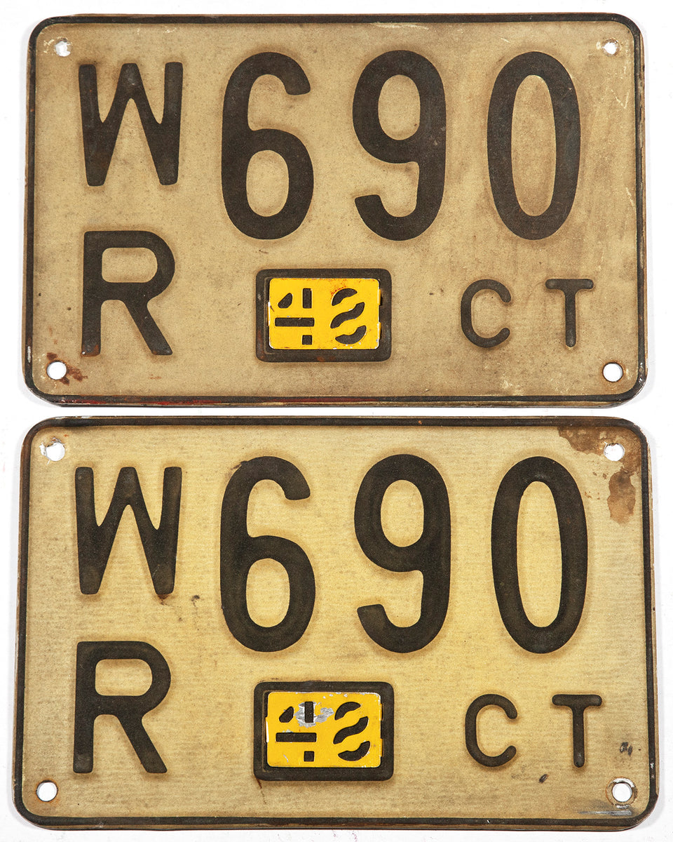 1948 Connecticut car license plates in very good condition