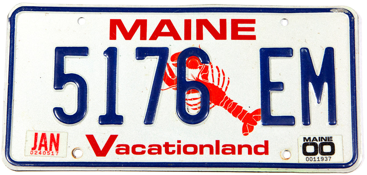A scenic 2000 Maine Lobster automobile license plate in excellent minus condition