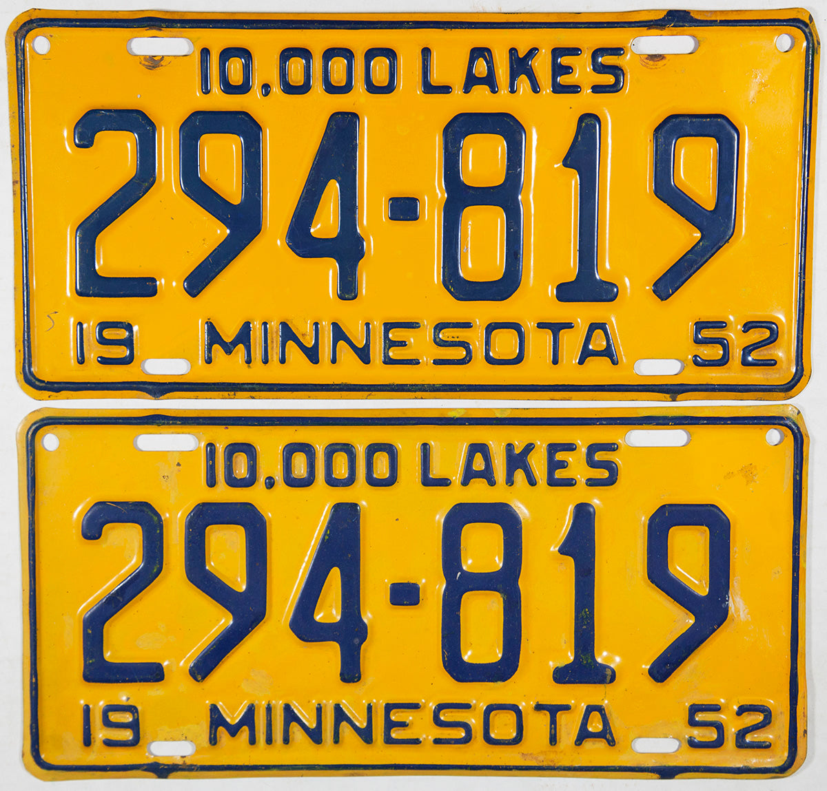 1952 Minnesota License Plates Very Good Plus condition