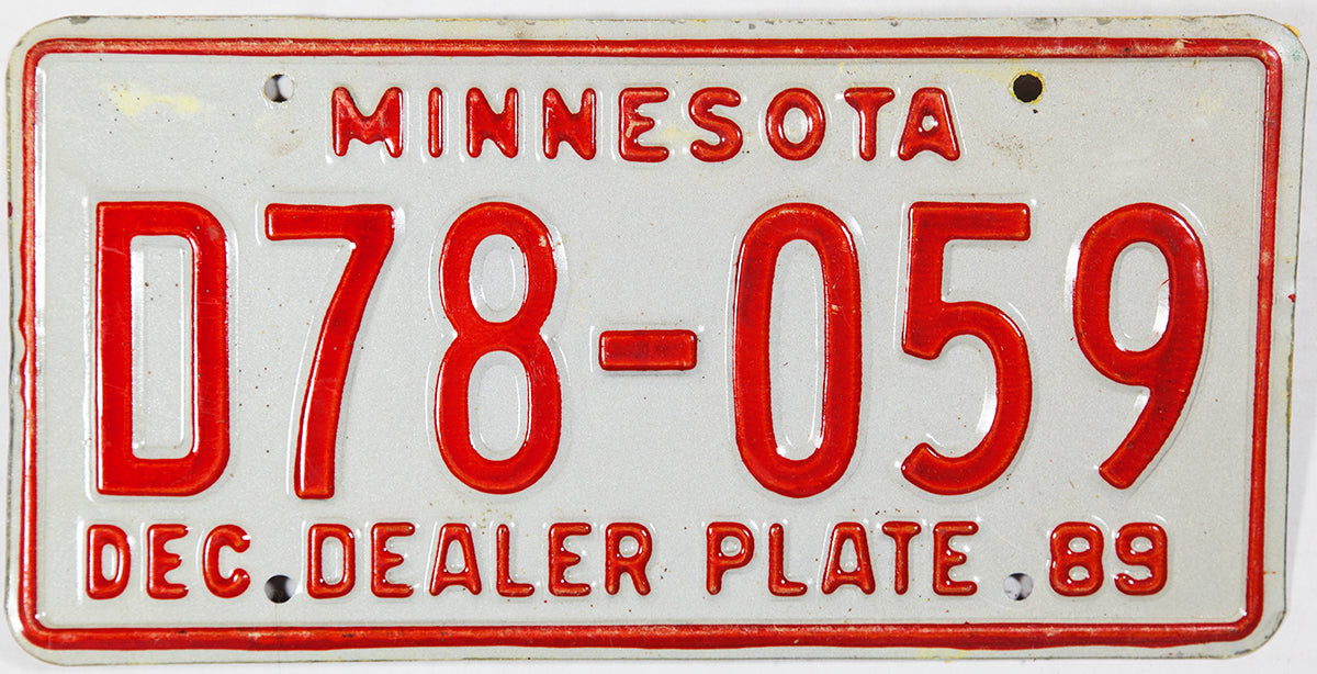 1989 Minnesota Dealer License Plate
