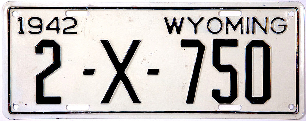 1942 Wyoming Trailer License Plate