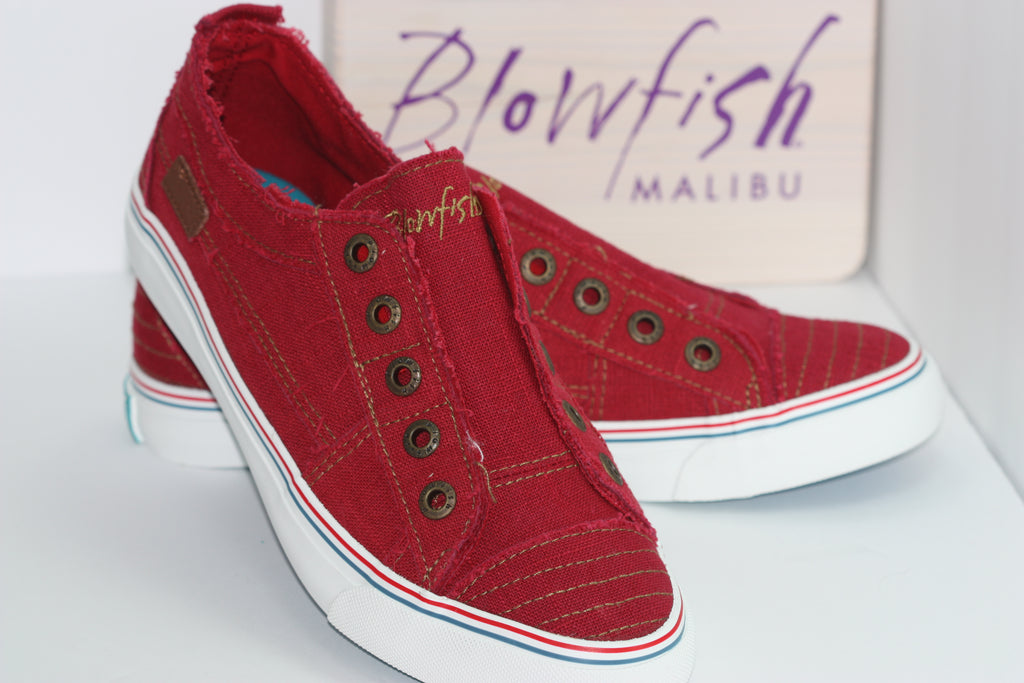 Lucy Red Sneakers