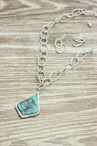 Silver Link Necklace With Teal Pendant
