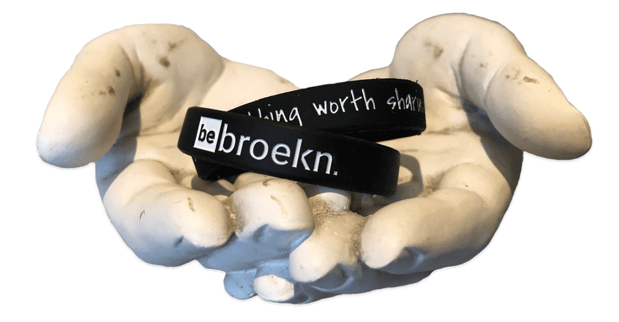 About Us | Broekn Hands