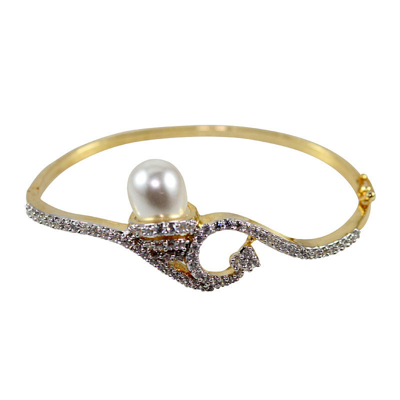 Ashen White Pearl Studded Bangle