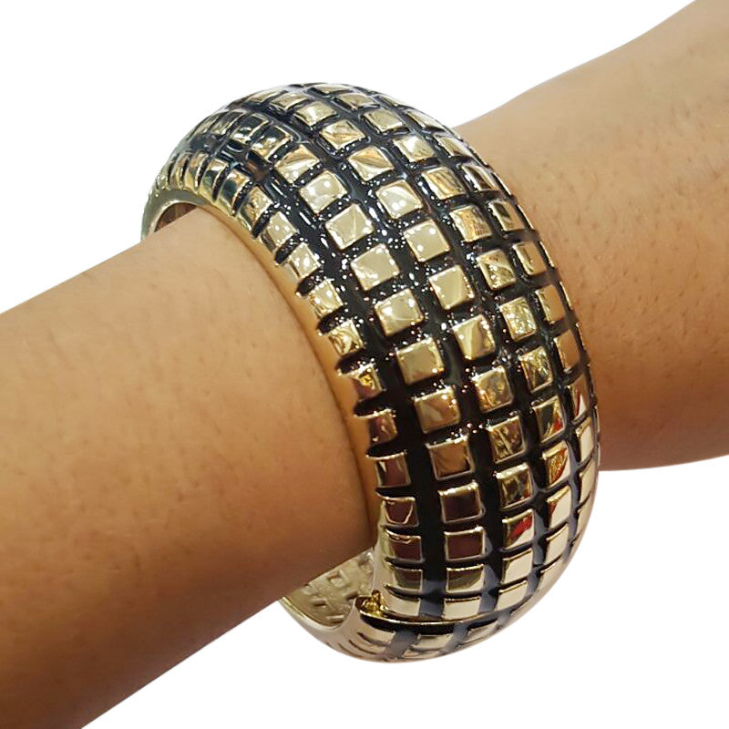 Curio Checker Fashion Statement Women Bangles