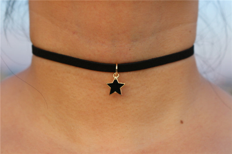 Choker Necklaces with Pendant in Velvet Suede Leather