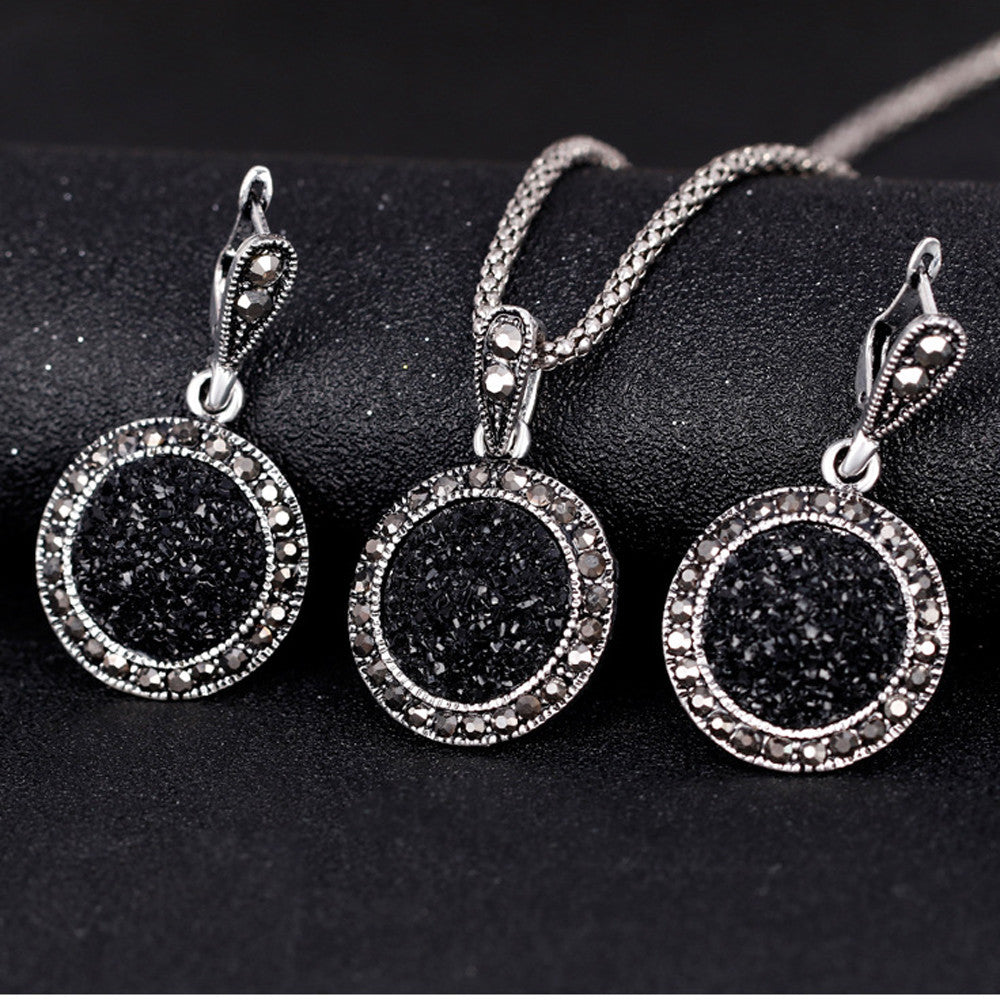 Women Black Rugged Stone Necklace Set