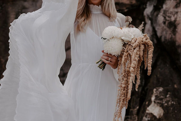 Molten Romance: A Styled Shoot for the Modern Bride