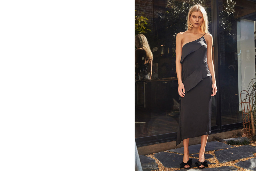 Locale Asymmetric Dress