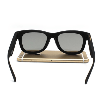 Light-Adjusting Sunglasses
