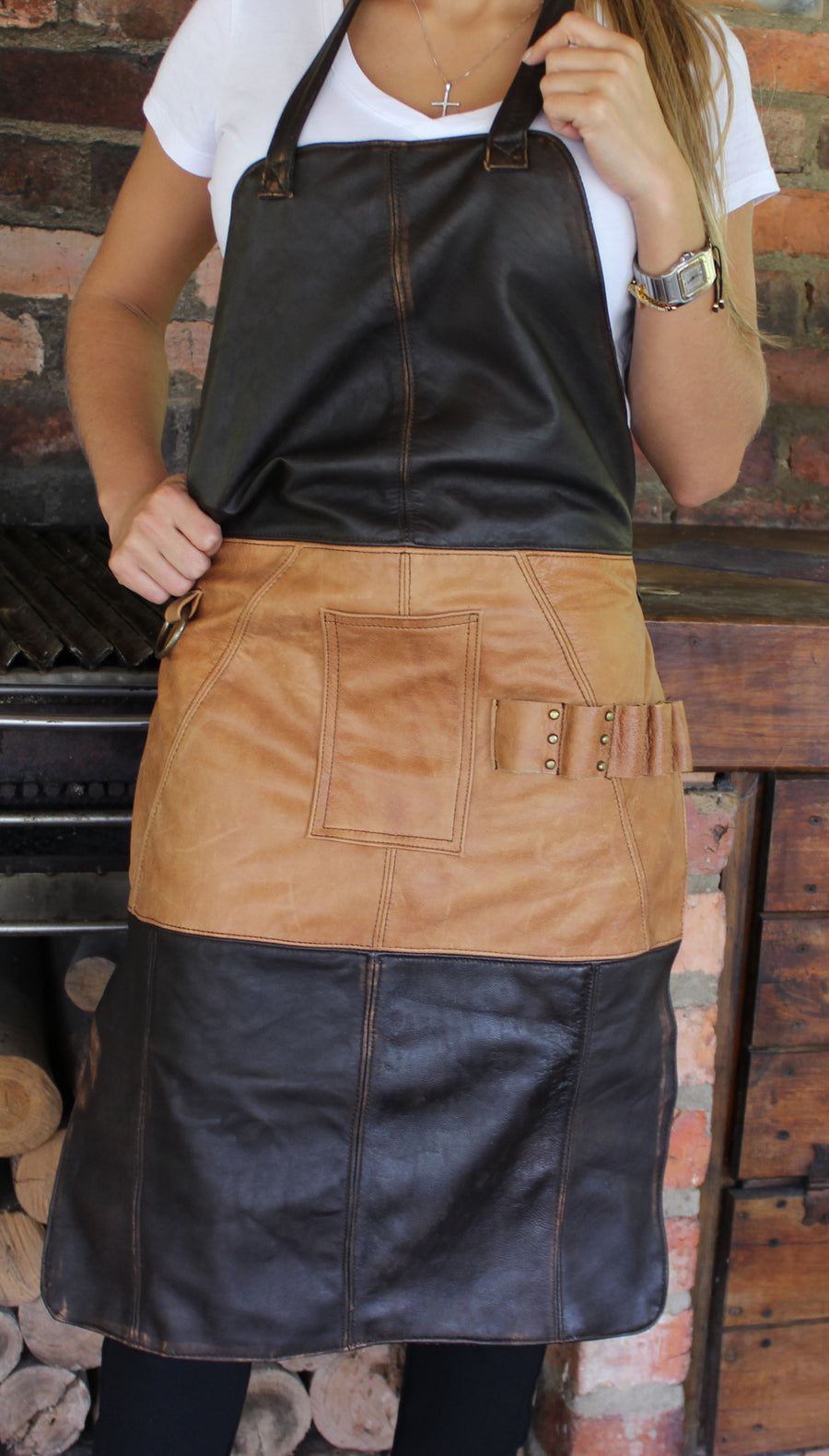 NATHAN Leather Apron in - Dark Brown and Tan Custom-made BBQ Restaurant fashion Name Initials - PDCollection Leatherwear - Online Shop