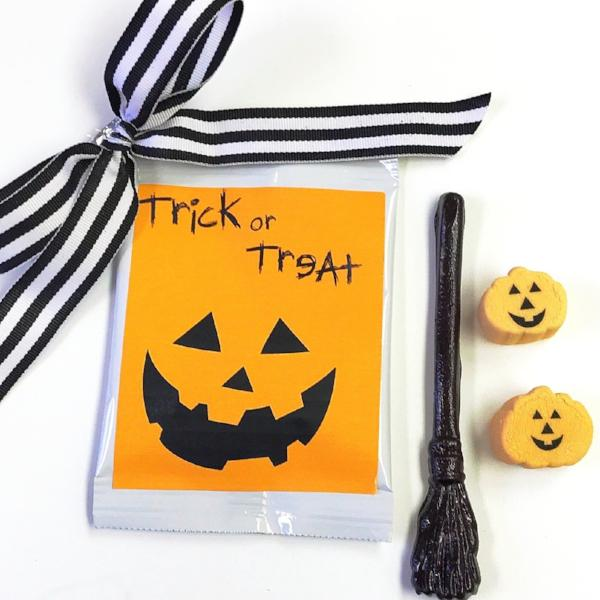 Hot Chocolate Mix - Jack O Lantern Pumpkin Marshmallows & Candy Witch Broom