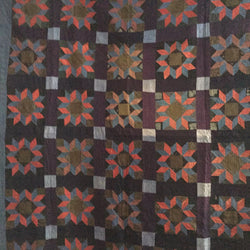 Amish Carpenter's Wheel Quilt