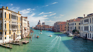 Beating Crowds in Venice Italy: Part One-World Smart Apparel