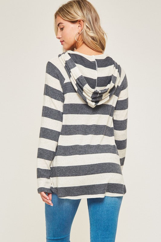 Soft Hooded Button Top (med charcoal left)