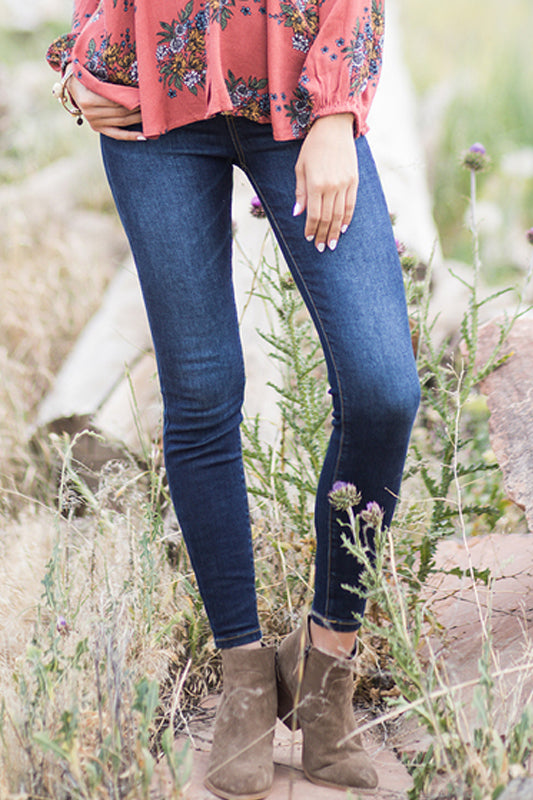 Classic Pull-On Jeggings in Dark Wash