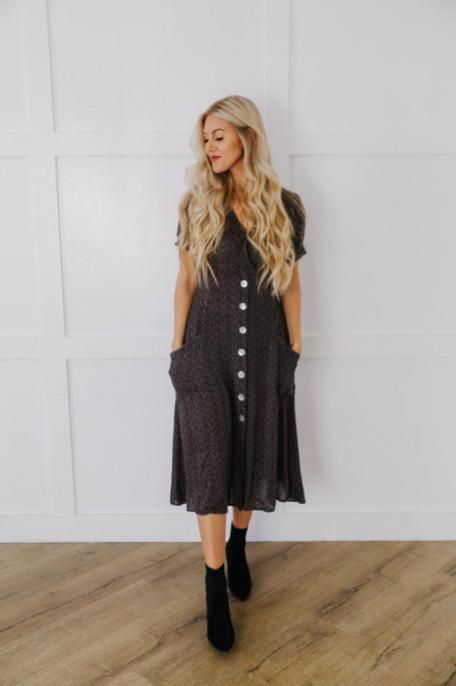 Black Pocket Midi Dress