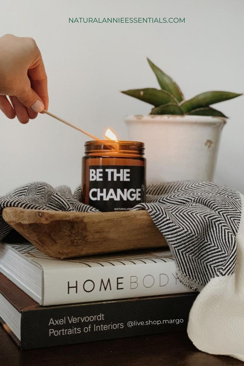 group  GIFT SOLUTION naturalannie essentials soy candle be the change