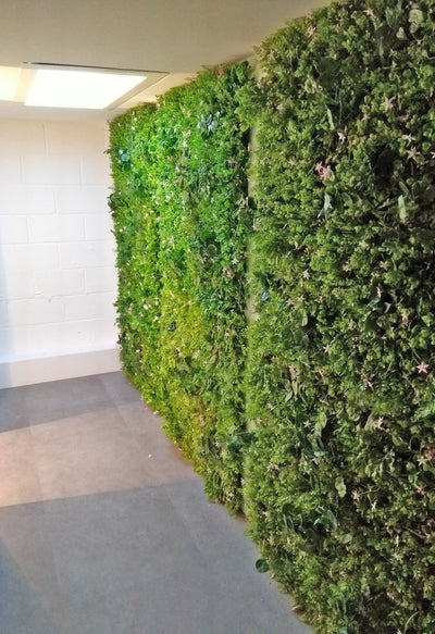 Artificial green wall mixed plant panel with pink flowers 100x100 cm