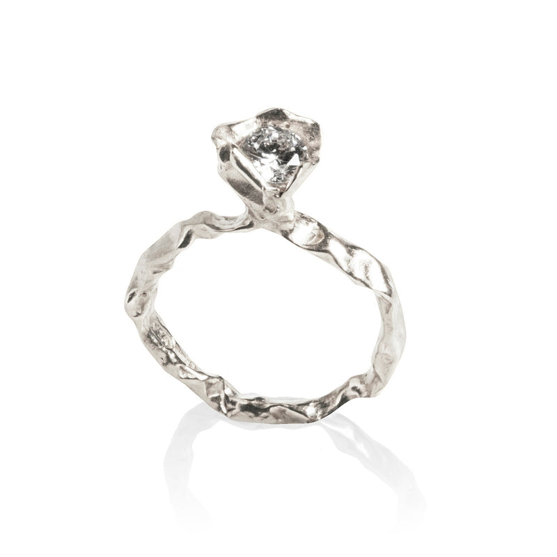 Brilliant white diamond Crush engagement ring in Platinum
