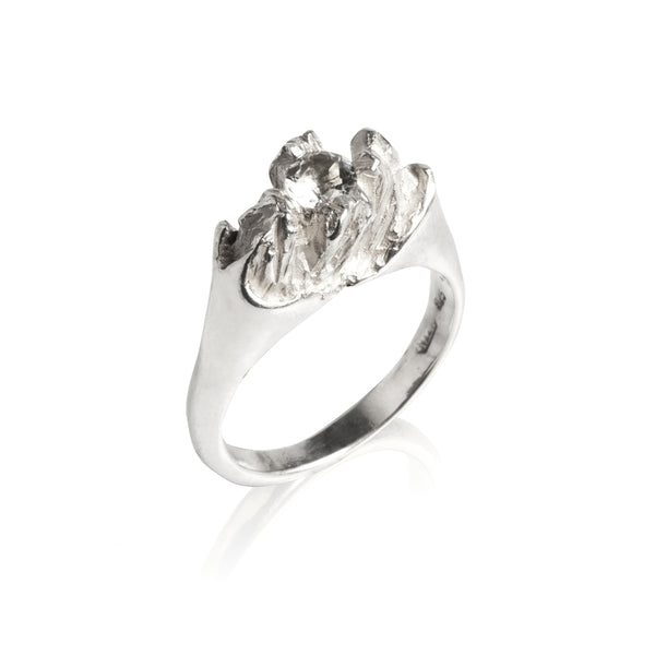 UNDER EARTH 18K WHITE GOLD DIAMOND Half Texture RING