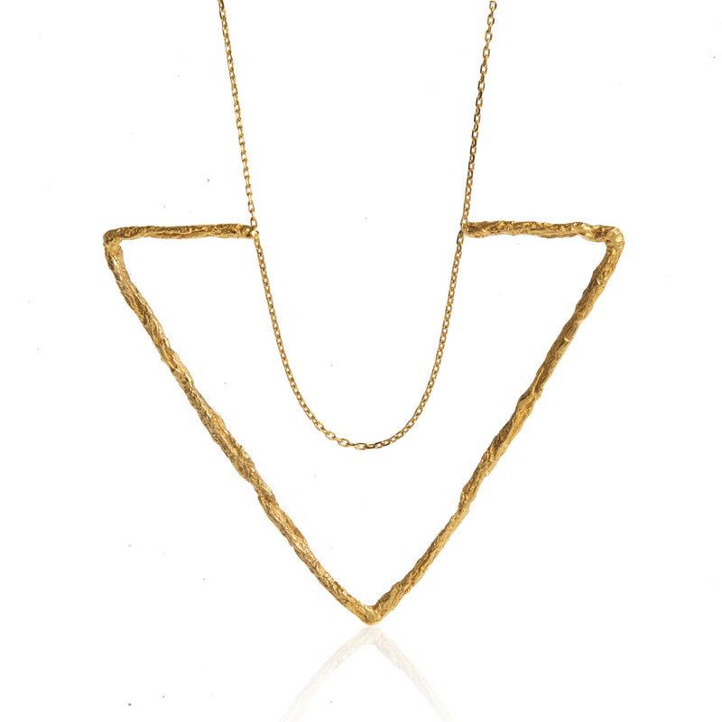 DELTA LARGE TRIANGLE NECKLACE-GOLD