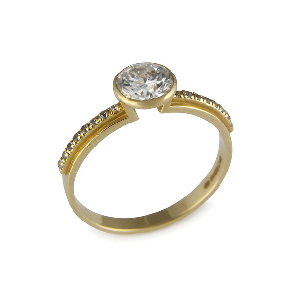 Brilliant Cut White diamond Ring Lustre No. 1