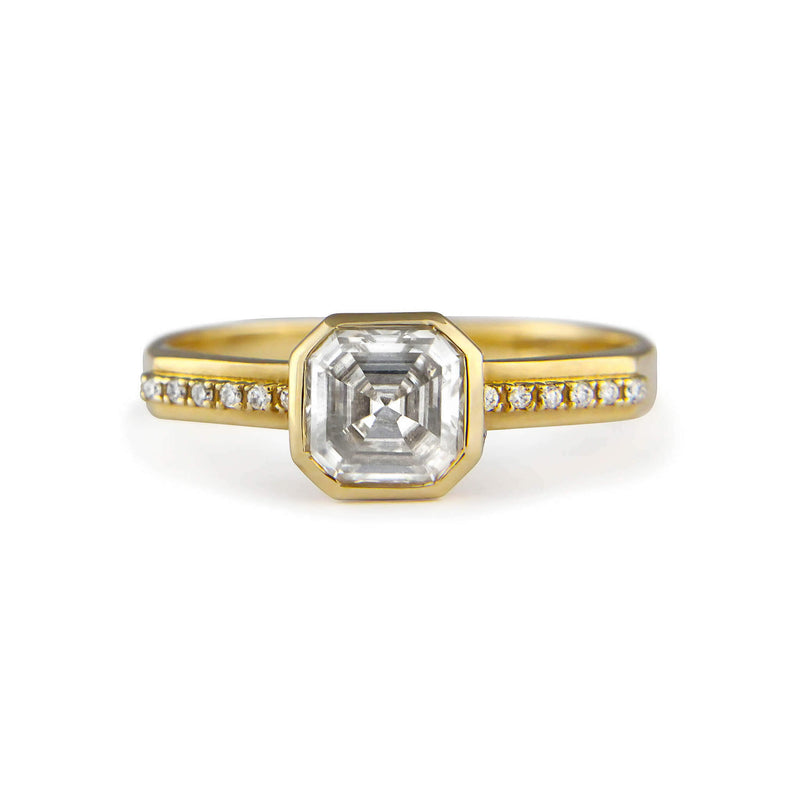 Asscher cut white diamond ring Lustre No.3