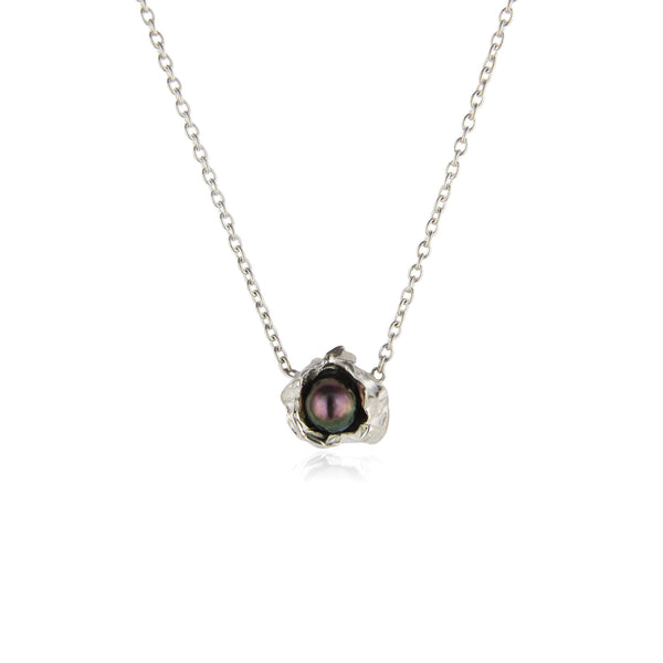 Dark pearl crush silver necklace