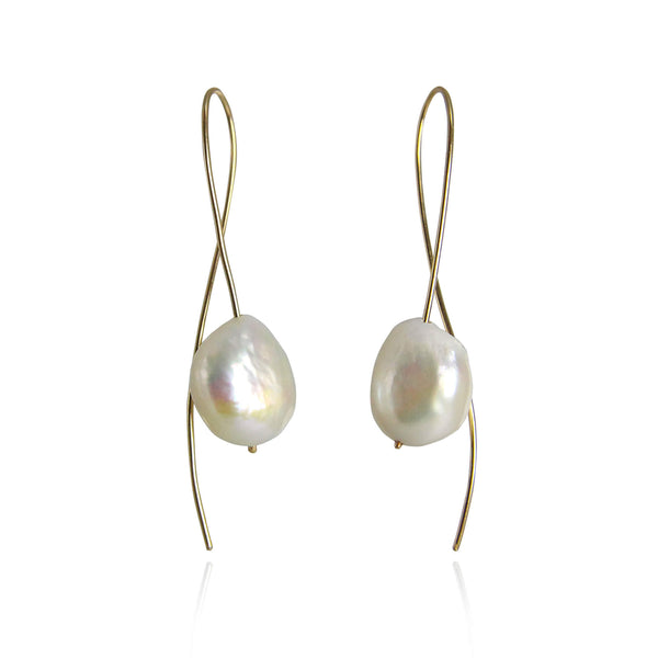 Curved pearl earrings 9ct gold