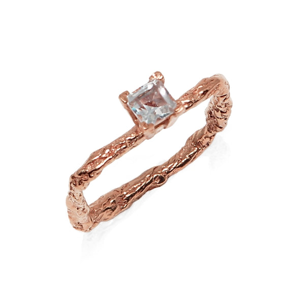ILLUSION 18K Gold square DIAMOND RING